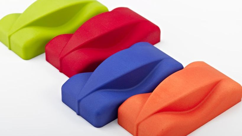 Stereolithograhpieteil gefärbt, farbig lackiert.