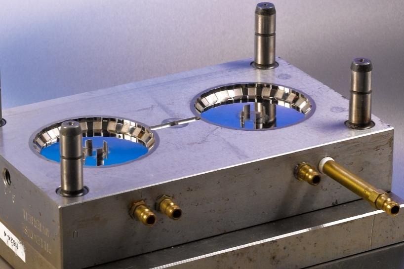 Kleinserienwerkzeuge aus Alu und Stahl.